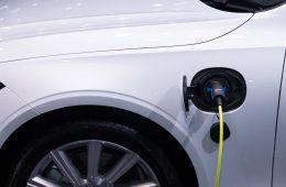 prise-electric-car